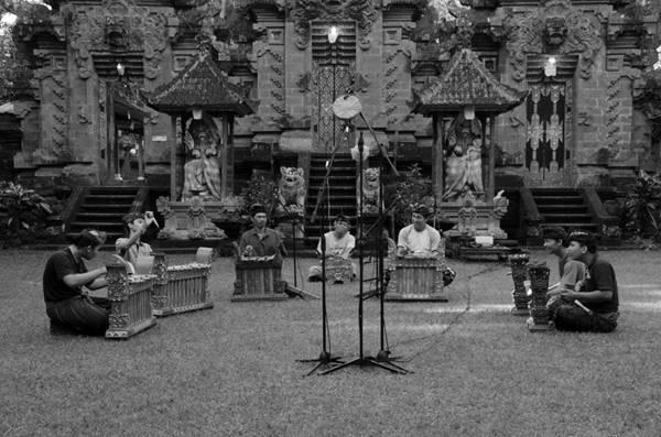 I Made Arnawa - Gamelan Debussy